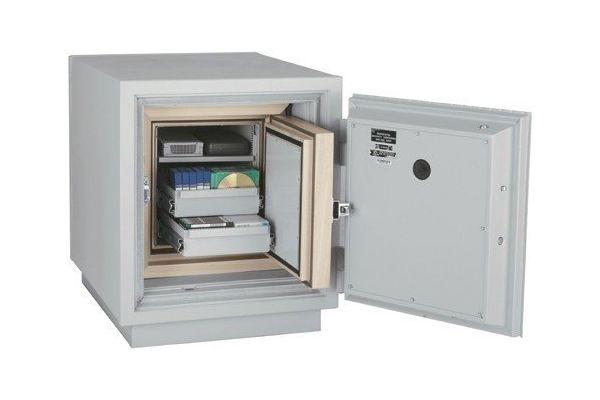 SafesStore.co.uk | Specialist in Safes. We deliver FireKing Datasafe DM 1413-3 free.