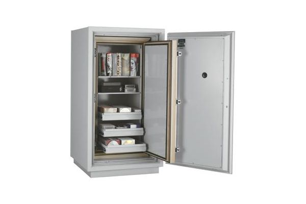 SafesStore.co.uk | Specialist in Safes. We deliver FireKing Datasafe DM 4420-3 free.
