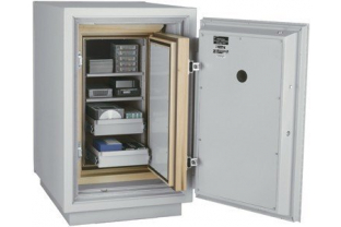 SafesStore.co.uk | Specialist in Safes. We deliver FireKing Datasafe DM 2520-3 free.