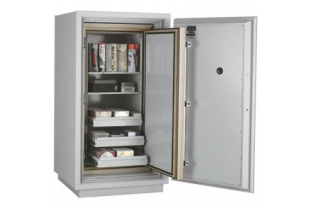 SafesStore.co.uk | Specialist in Safes. We deliver FireKing Datasafe DM 4420-3 free.