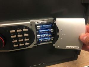 Batterijhouder in toetsenbord